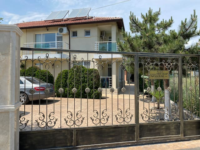 Sunny Guest House Ravda
