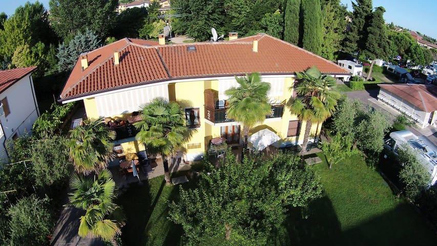 Appartamento con giardino a Lazise - Lazise - Apartament