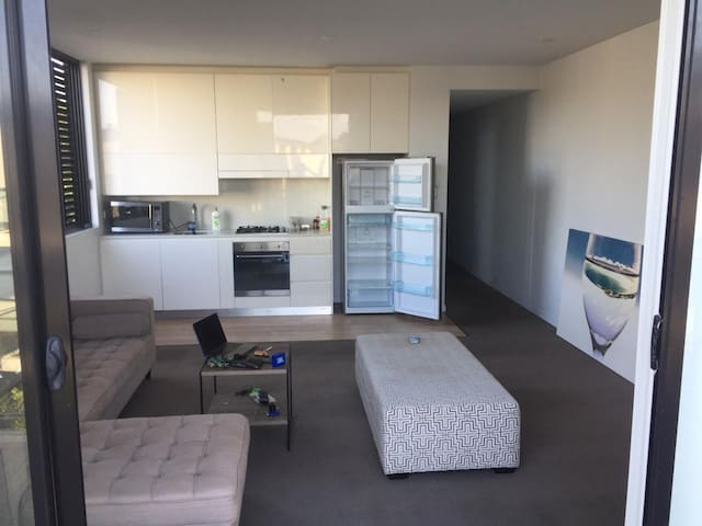 Dee Why full apartment !!! Two bed, two bathrooms
