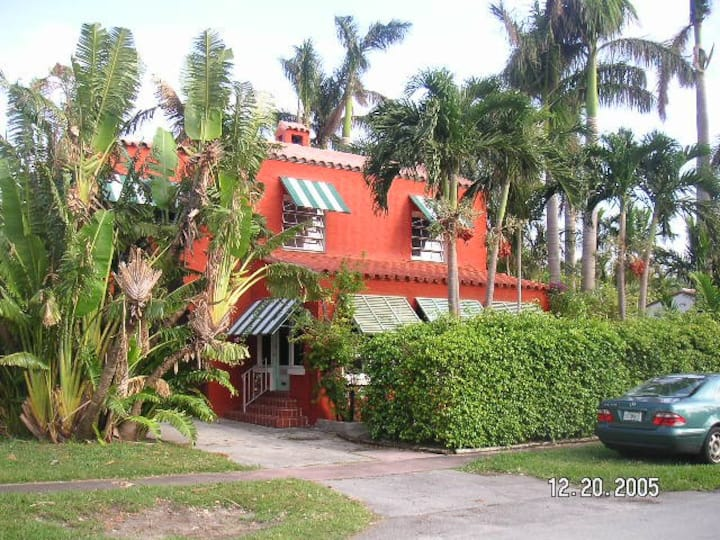 ART BASEL Miami Dec 2019 Villa for exchange
