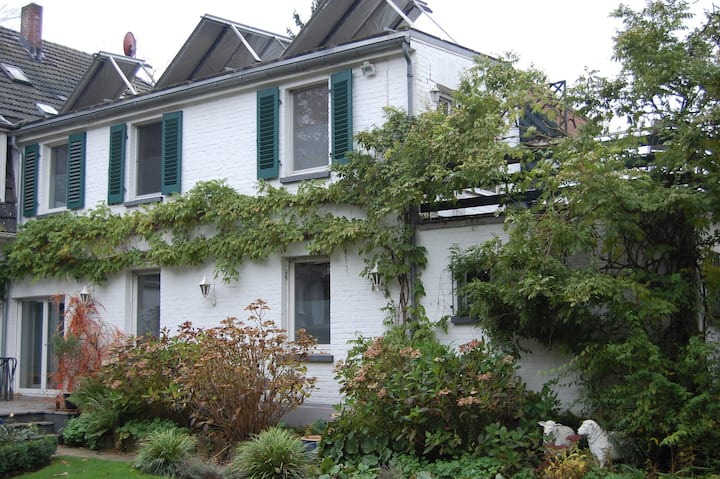 Haus im Grünen und doch so Zentral