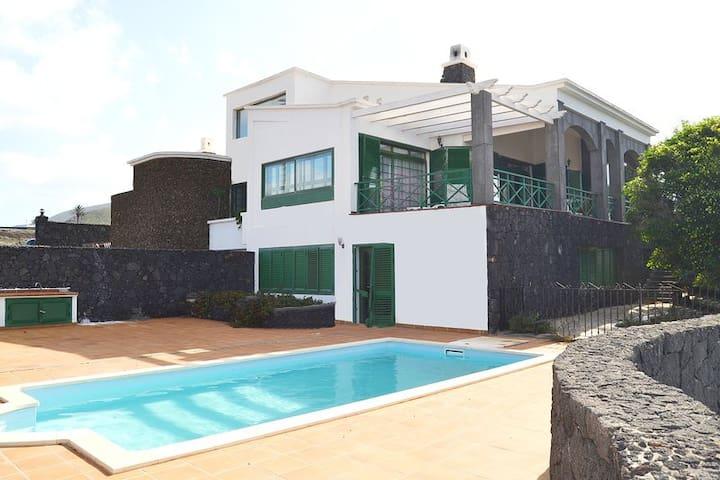 Vista Timanfaya - Yaiza - Villa