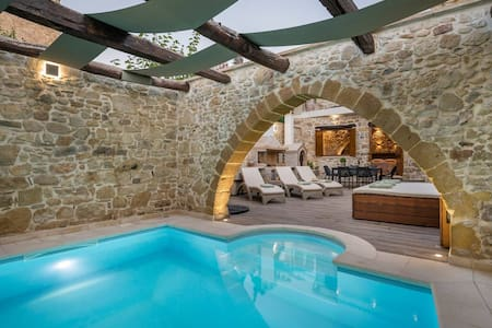 Doro Gold Villa