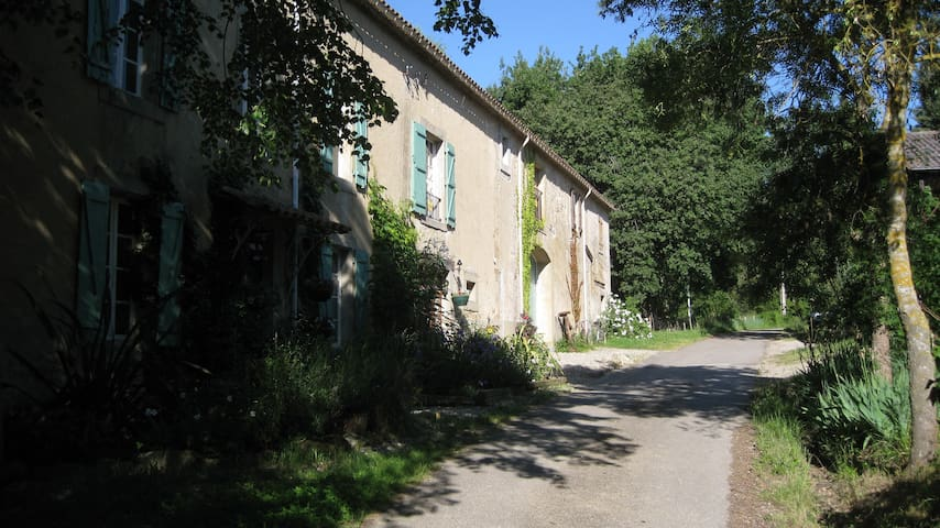 Quiet and private house - Limoux - Haus