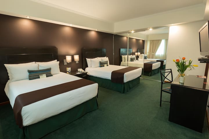Senior Suites Deluxe for Groups 16 Guest