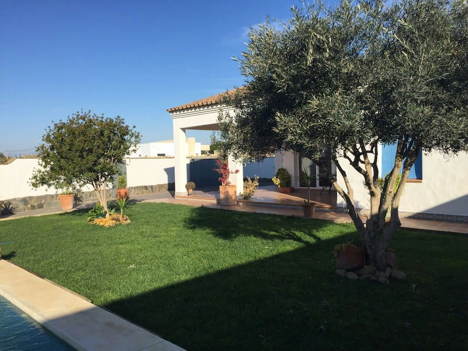 Casa con piscina el rinc n de juan houses for rent in for Casa en conil con piscina
