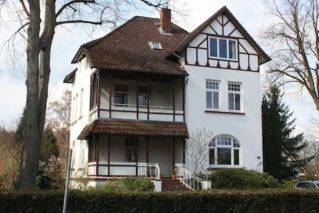 """Übernachten im """"Waldschlösschen"""" - Barmstedt - Inap sarapan"""