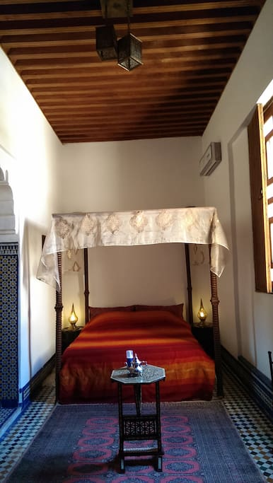 Maison d 39 h tes fez bed breakfasts for rent in fes for Airbnb fez