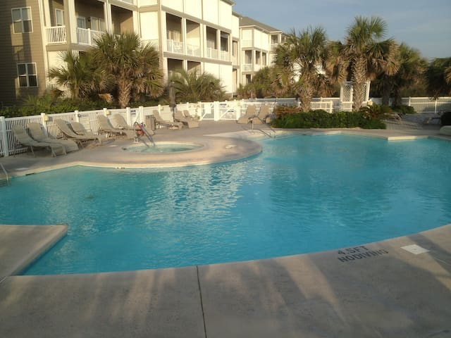 Wonderful Ocean Side Condo - Atlantic Beach - Apartament