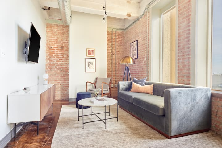 Sonder | Butler Brothers | Chic 1BR + Pool