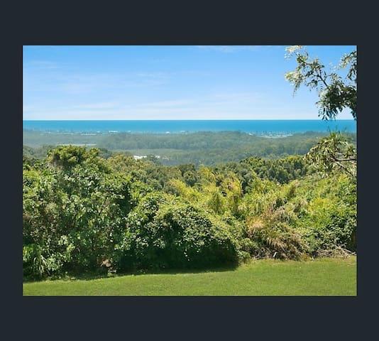 A Rare Gem.. Scenic Farmstay with Coastal Views