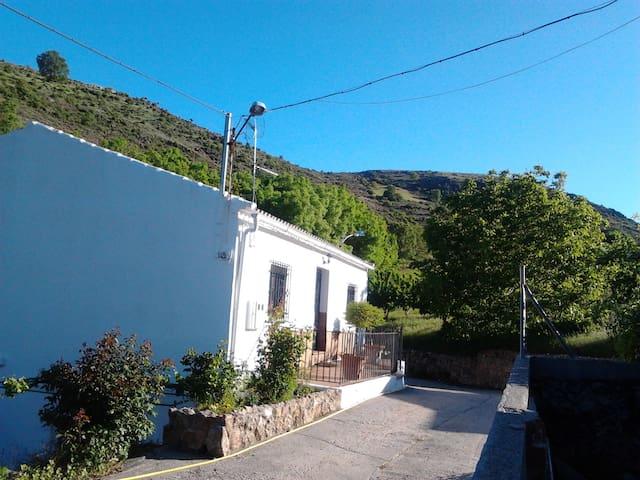 Cortijo Cañada de Alcalá, Frailes - Cañada de Alcalá - Hus