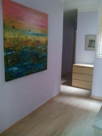 Precioso piso con terrazay chimenea - Berga - Huoneisto