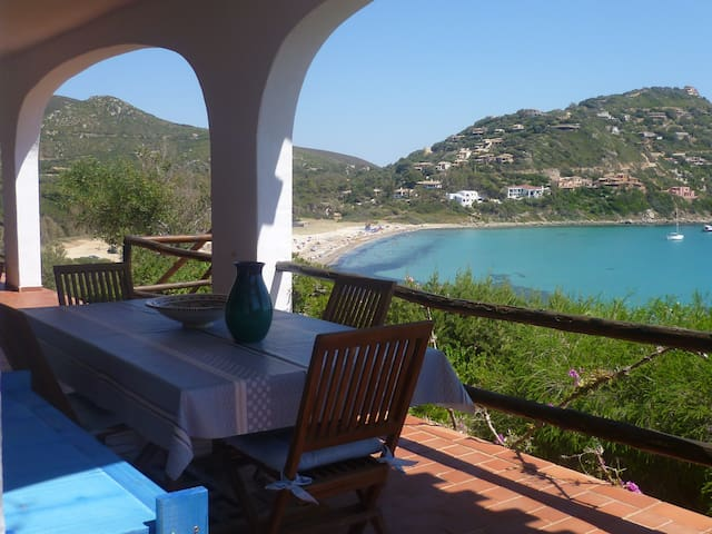 Large villa with direct access to the sandy beach