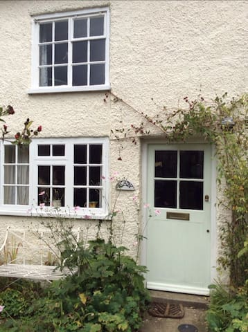 Cosy, peaceful cottage near coast - Halesworth