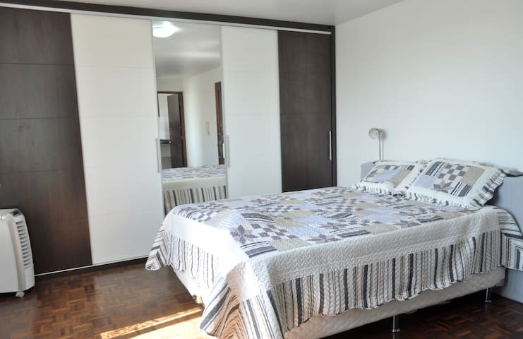Studio practical and well located - Curitiba - Apartment