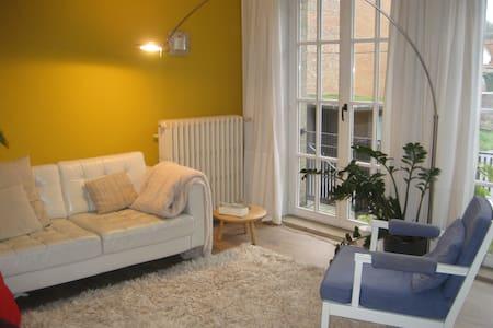 Bright apt. in historical centre - Bruges - Apartamento