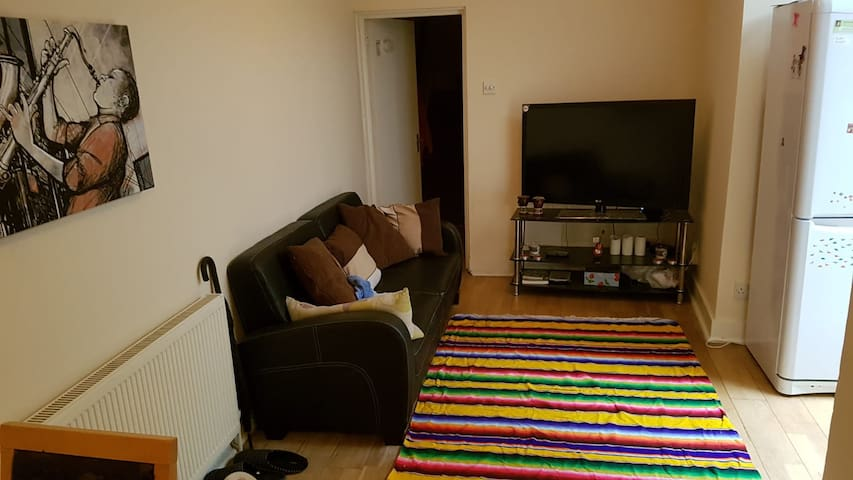 Cosy nice doublebed room in a shared apartment