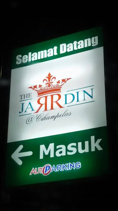 Main gate to Apartement Jarrdin @ CIHAMPELAS