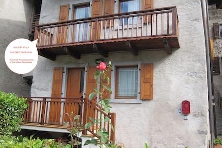 Garda Lake & Dolomiti Villa - strategic location - House