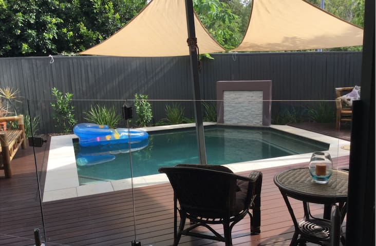 'Island Time' 2 BR House with Pool - Magnetic Island - Casa