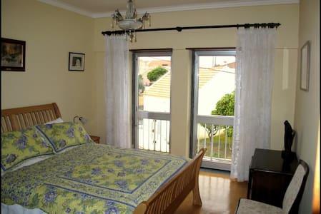 Juliet Room, Twin door Balcony, En-suite Bathroom - Tomar - Bed & Breakfast