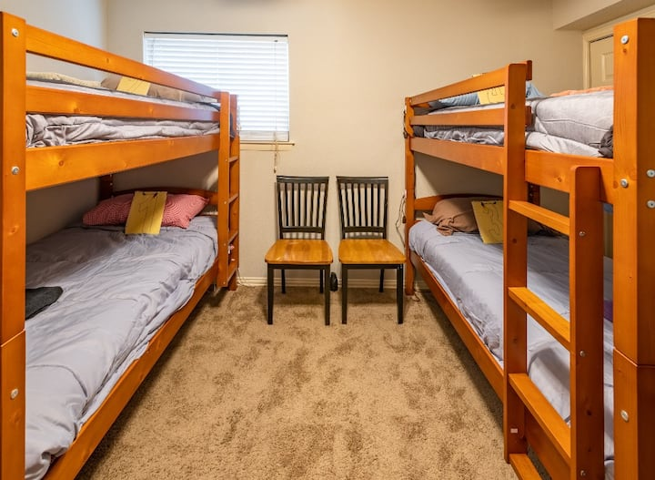 Cozy Bunk Bed close to DFW Airport for travelers#4