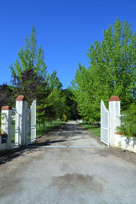 Portail d'entrée de la villa