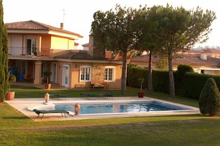 maison avec piscine sur le golf - Sant Jordi