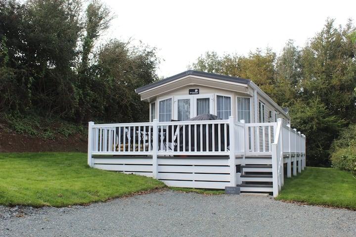 Luxury Caravan Anglesey - Coed (2 Bed Sleeps 4/6)