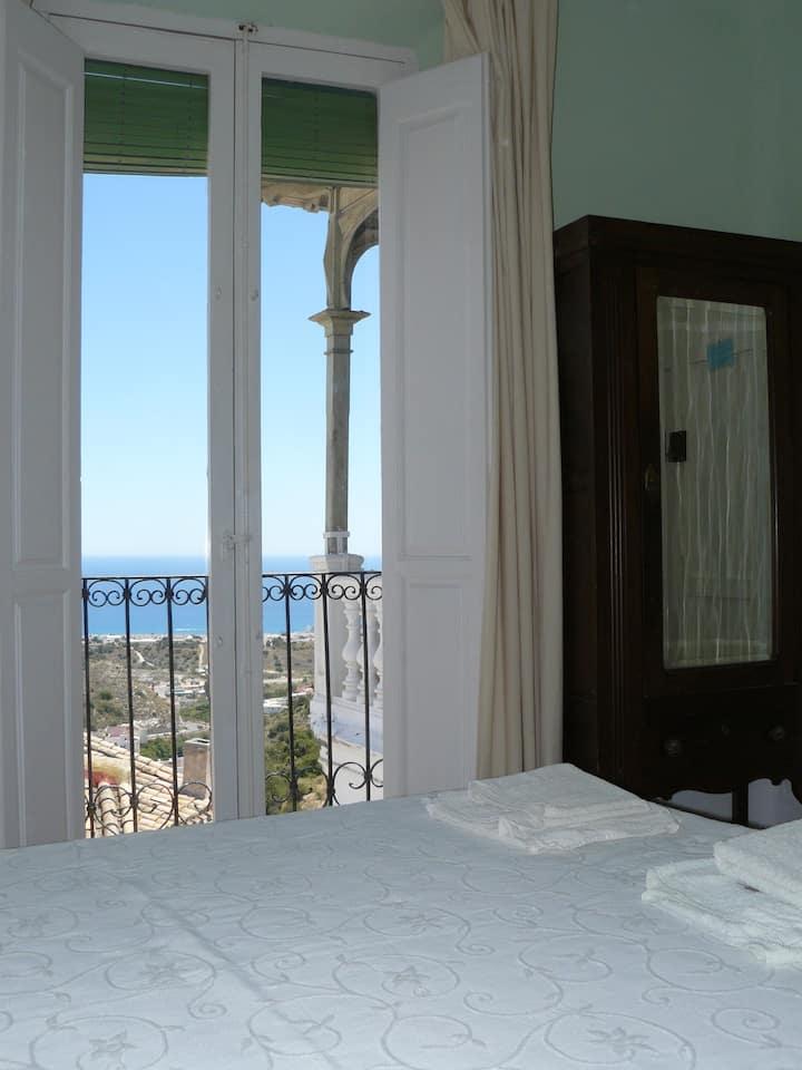 Habitaciones con cama matrimonial y triples