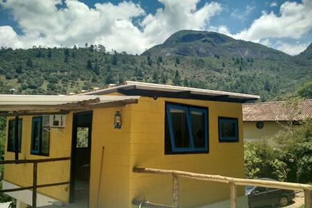 Chalé/studio se localiza em Araras- - Petrópolis - Loft