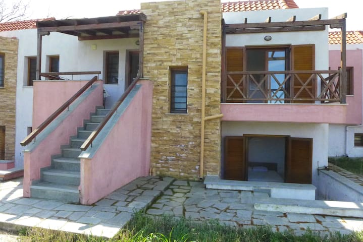 Dream house 100metres from the sea - Ierissos - Hus
