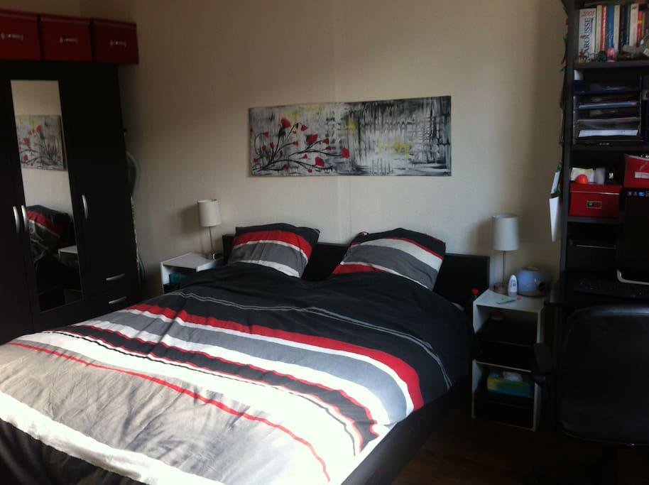 chambre spacieuse paris 12 appartements louer paris le de france france. Black Bedroom Furniture Sets. Home Design Ideas