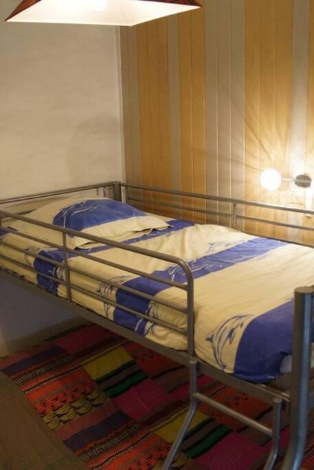 Chambre 2 avec 3 couchages 1x140 + 1X90