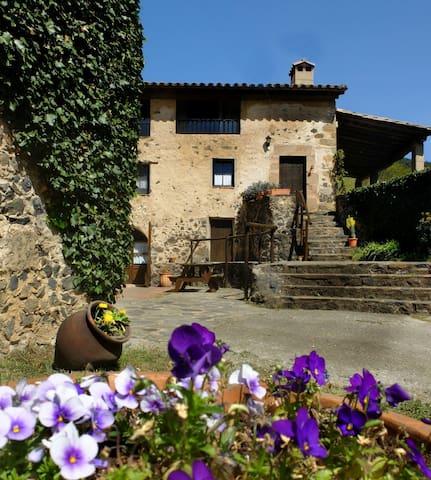 GRANOTA - Mas Violella. Naturaleza - Sant Joan les Fonts - Talo