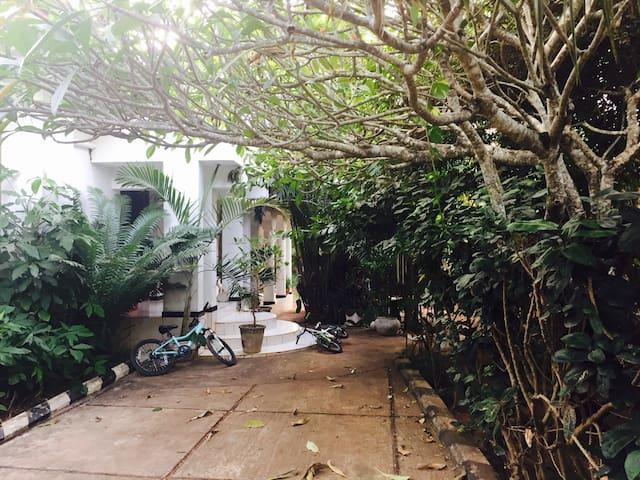 Large garden home - Zanzibar Town - House
