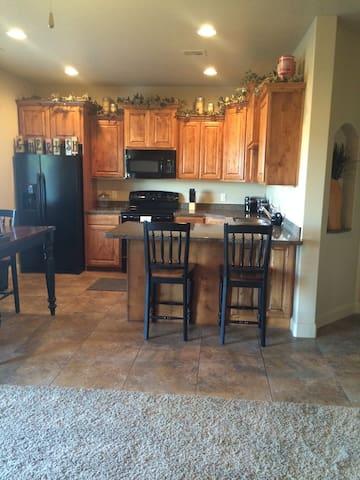 3 bedroom Townhouse - Perfect Location in So. Utah - Washington - Casa adossada