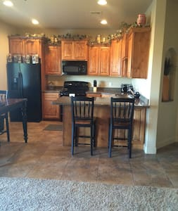 3 bedroom Townhouse - Perfect Location in So. Utah - Washington - Maison de ville