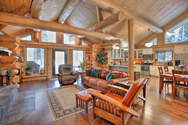Secluded Log Cabin w/ Patio + Chena River Access!