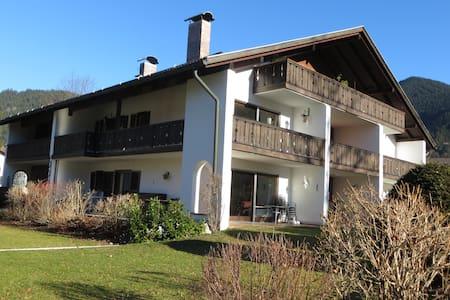 Ruhige 1-Zi-Whg mit großer Terrasse - Oberammergau