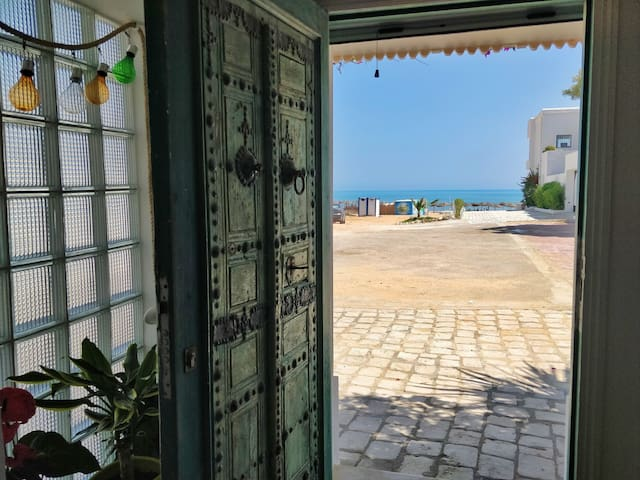Beachfront peaceful cocoon to fully enjoy La Marsa