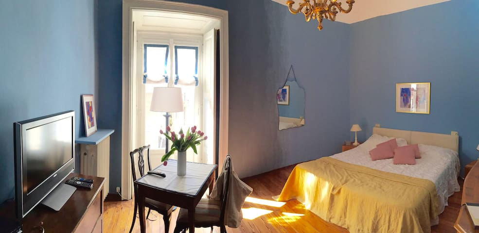A special nest within the old town - Côme - Bed & Breakfast