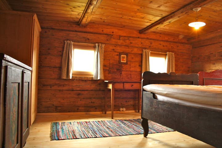 Rustic, lovingly renovated chalet
