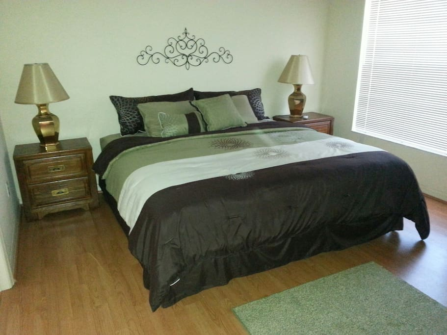 King bed in master with additional flat screen TV