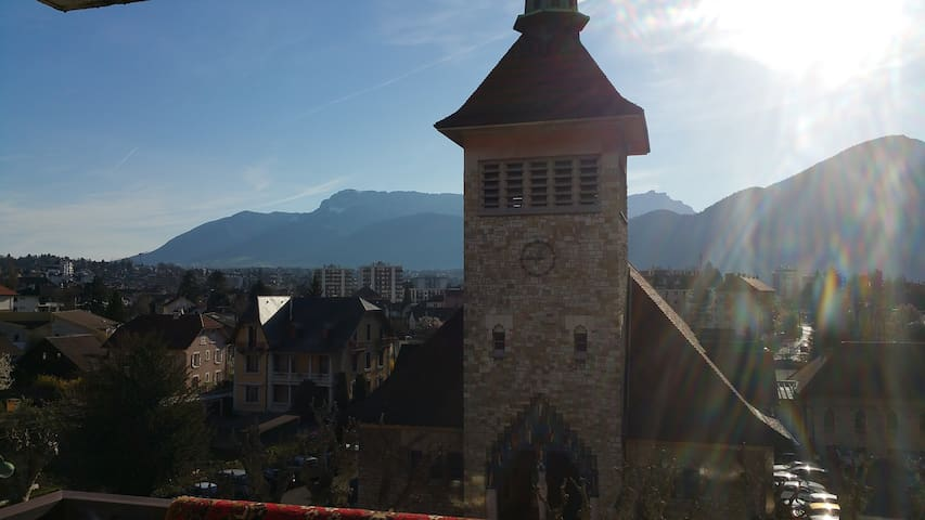 belle chambre a louer 50EUR/2pers  - Annecy - Bed & Breakfast