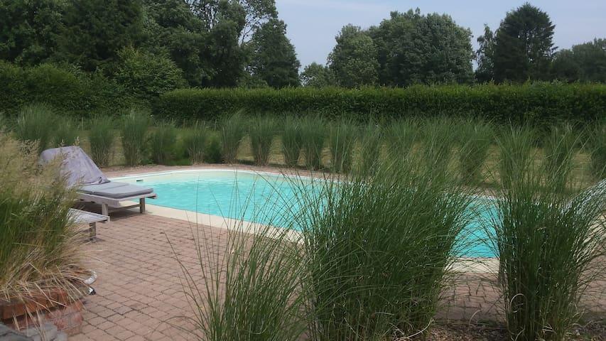 Dépendances de charme avec piscine et 3 chambres