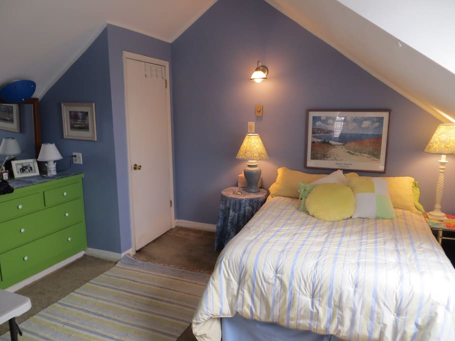 The Jake-A-Loo Room. Many other photos of our home can be seen on the listing for The Shamus Room