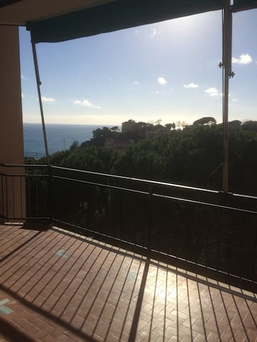 Quite apartment with great sea view - Celle Ligure - Appartement