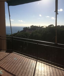 Quite apartment with great sea view - Celle Ligure - Apartamento